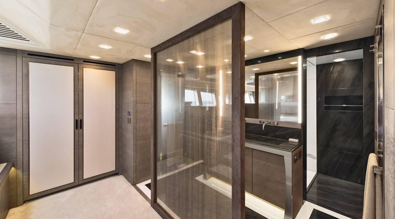 MCY 105 Owner's cabin ensuite