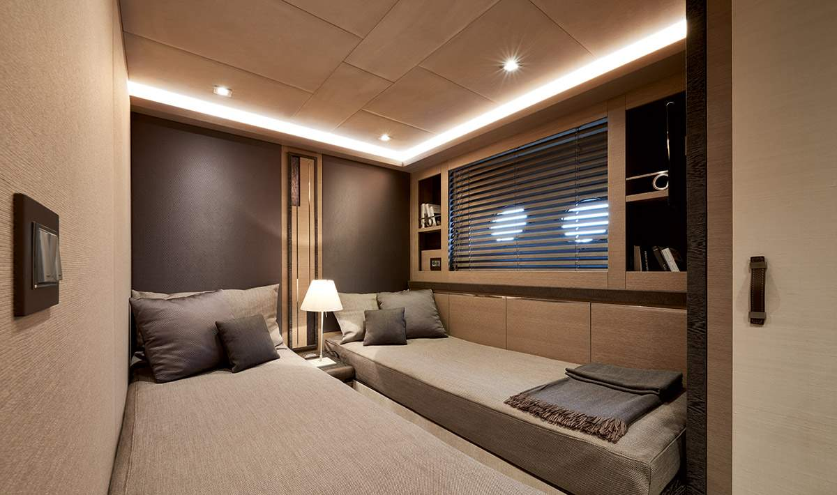 MCY 80 Guest cabin