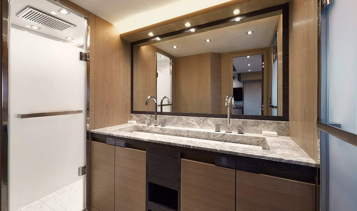 MCY 80 Owner ensuite bathroom