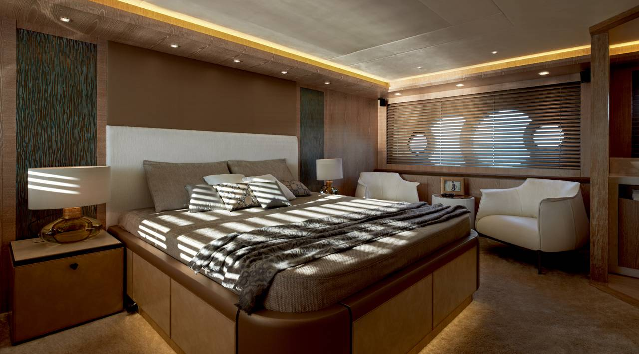 Owner Cabin MCY 86